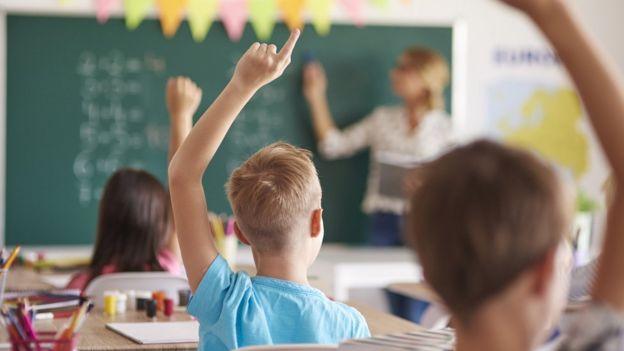 Niños en salón de clase