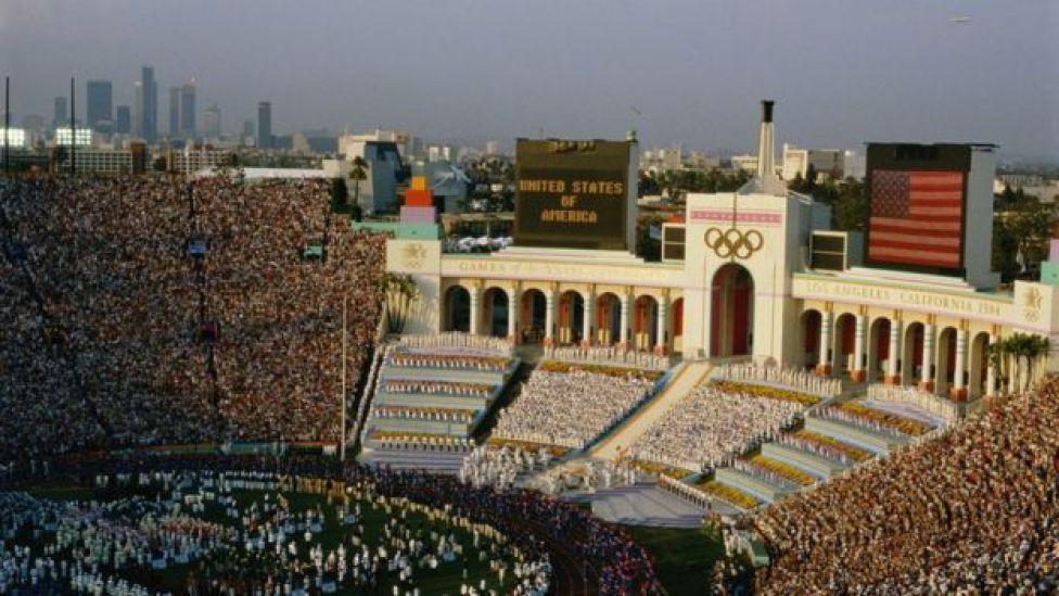 Ceremonia de apertura de la Olimpiadas de Los Ángeles en 1984.