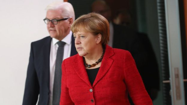 Angela Merkel with Foreign Minister Frank-Walter Steinmeier on 9 Nov
