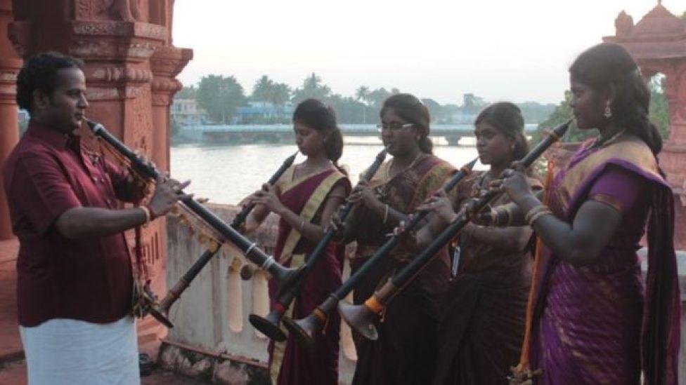 நாதஸ்வரம் கற்கும் முதல் தலைமுறை பெண்கள்