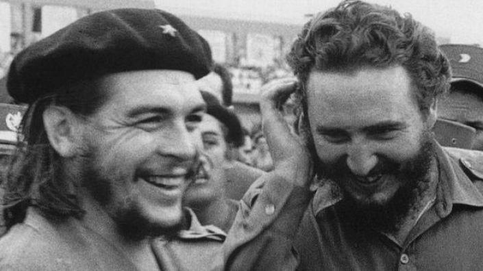 Fidel Castro y Ernesto Guevara.
