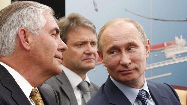 Ông Tillerson (bìa trái) có quan hệ thân cận với Tổng thống Putin của Nga
