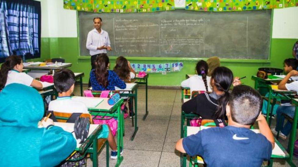 Professor concluiu o colegial aos 32 anos, em 1992.