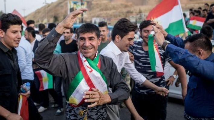 الأكراد أدلوا بأصواتهم وهم يحتفلون بيوم تاريخي