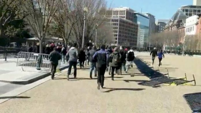 People running at the White House