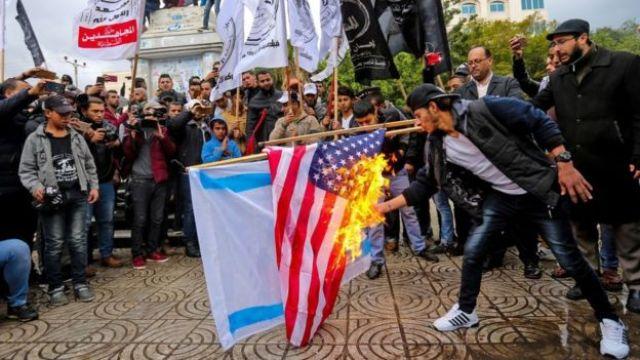 Protesta en Gaza en contra de Estados Unidos e Israel.