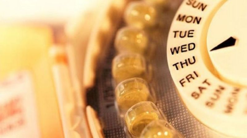 Píldoras anticonceptivas en envase redondo