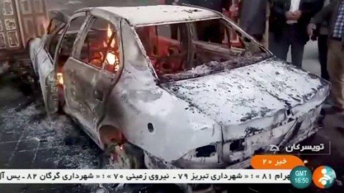 Zancan kentinde bazı araçların ateşe verildiği bildirildi.