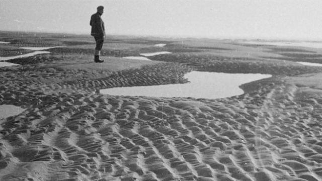 Un poblador local en los Goodwin Sands, en una foto de 1948