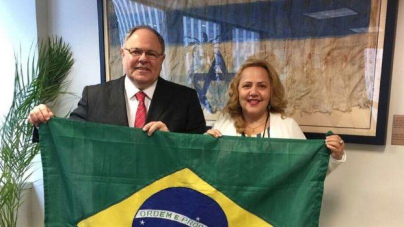 A pastora Jane Silva e o diplomata Dani Dayan