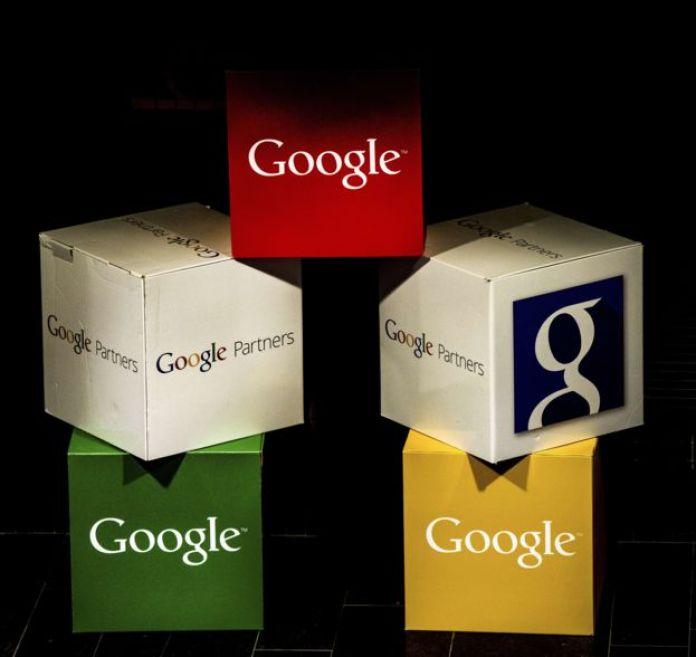 Logotipos de Google en unas cajas de colores