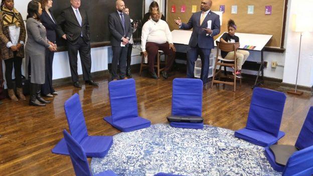 Apresentação da sala calmante à equipe da escola e da cidade da Filadélfia