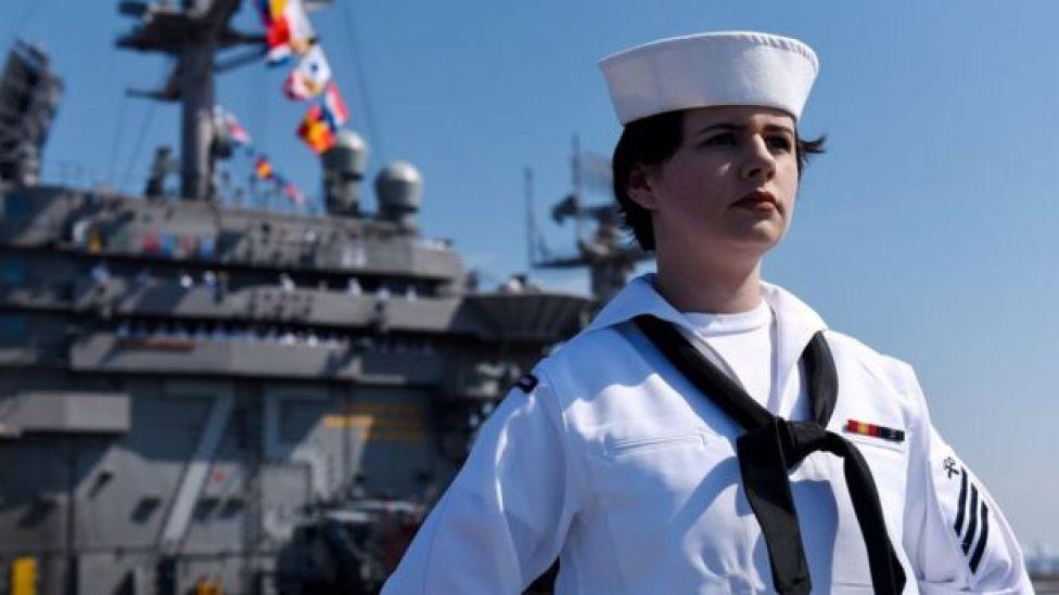 ابرناو جنگی هری ترومن آمریکا در راه خلیج فارس است