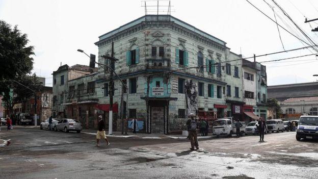 Esquina da rua Helvétia e alameda Dino Bueno
