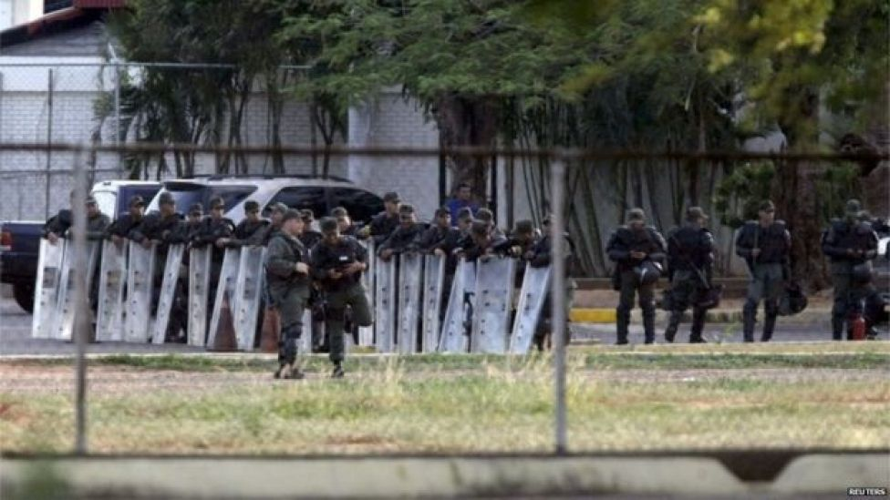 Venezuelan soldiers guarded the area around the airport in Maracaibo