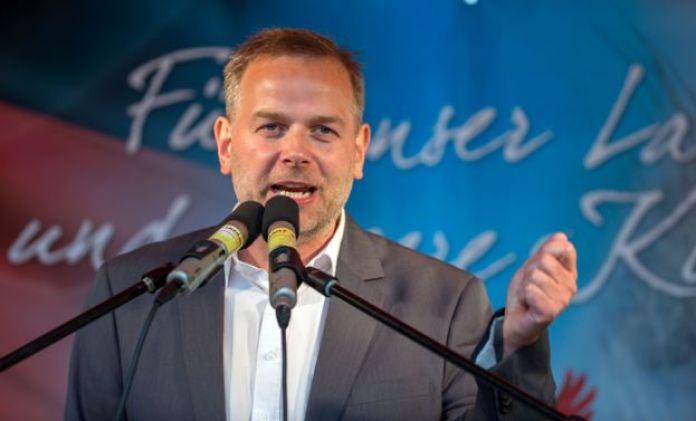 Leif-Erik Holm campaigning