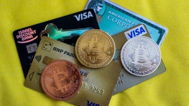 Bitcoins sobre tarjetas de crédito