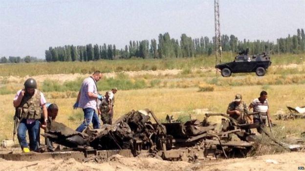 Destroyed police vehicle at Igdir (8 Sept)