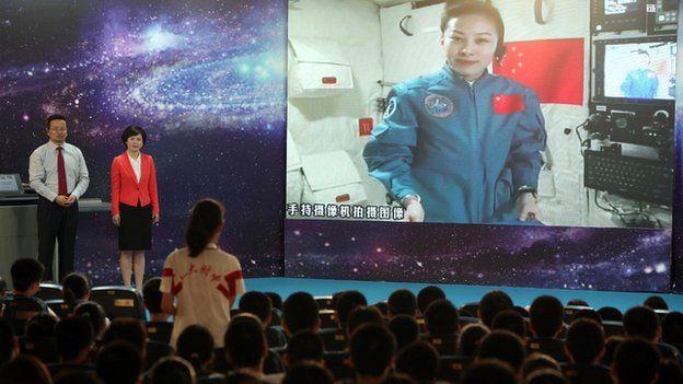 Astronauta faz palestra a partir da Tiangong-1