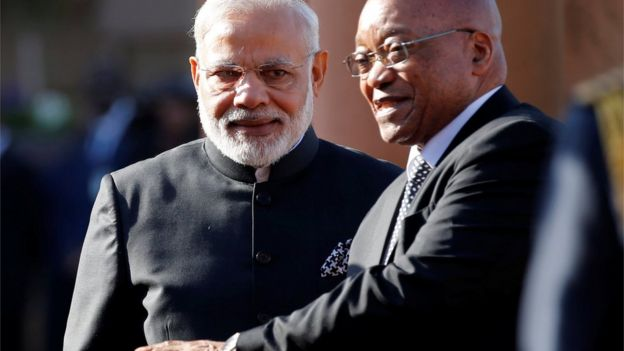 Narendra Modi (L) and Jacob Zuma (R)