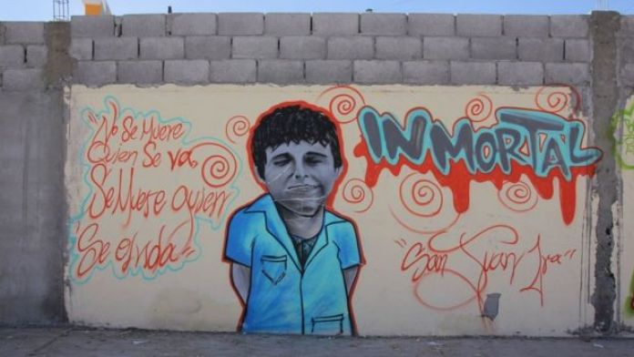 Un mural en honor a Christian Romero, unadolescente que se suicidó en Ciudad Juárez.