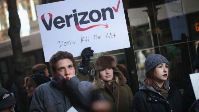 Protesta contra la iniciativa de acabar con la neutralidad de internet.