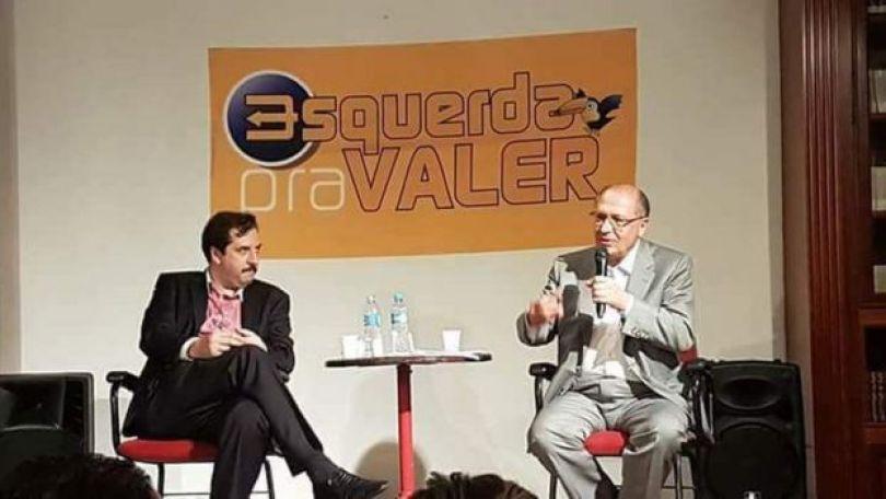 Alckmin em encontro com movimento