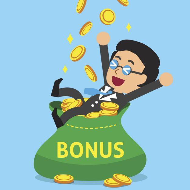 Ilustración de un ejecutivo sobre una bolsa de monedas de oro que dice