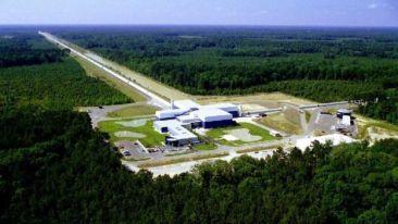 LIGO'nun Louisiana'daki laboratuarında 4 kilometrelik boru hatları kurulmuştu.