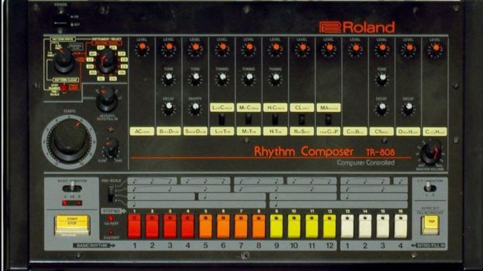Ikutaro Kakehashi creó la clásica caja de ritmos Roland TR-808.