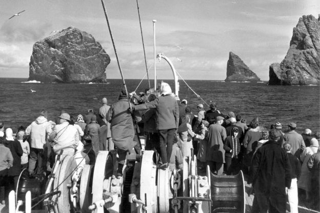 Tourists visiting St Kilda in the 1970s