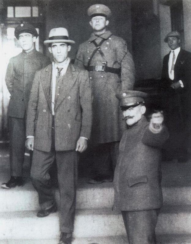 """Radowitzky saliendo de la """"cárcel del fin del mundo"""