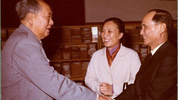 Chủ tịch Mao Trạch Đông của TQ đón Bộ trưởng Nguyễn Thị Bình và Đại sứ Nguyễn Văn Quang tại Trung Nam Hải, Bắc Kinh