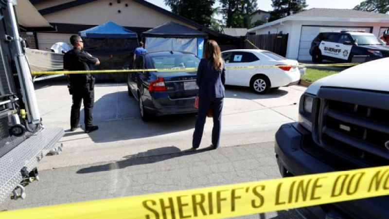 """Sheriff""""s crime scene tape surrounds the house belonging to Joseph James Deangelo, who was arrested for the East Area Rapist/Original Night Stalker/Golden State Killer case in Citrus Heights, California, U.S., April 25, 2018. REUTERS/Fred Greaves"""