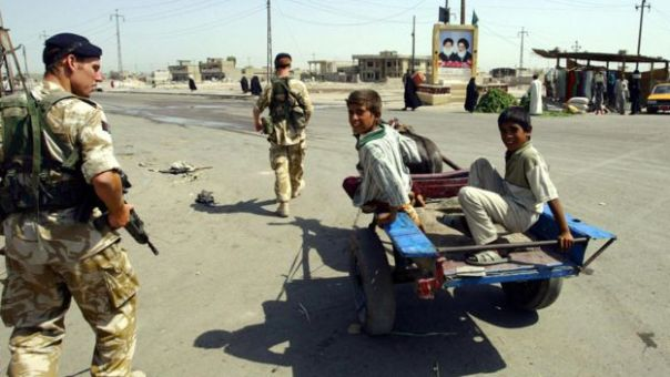 Tropas británicas en Basora en 2003