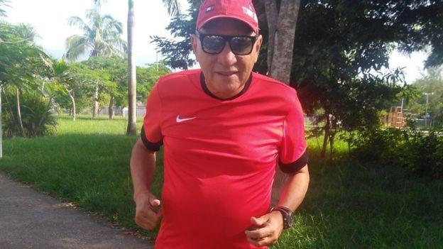 Ademar Damasceno, morador da Vila Kennedy, no Rio