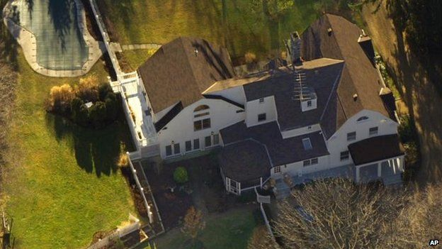 The Clintons Chappaqua, N.Y residence is seen in this aerial view 5 January 2000