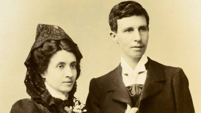 Marcela Gracia Ibeas e Elisa Sánchez Loriga, em foto de casamento