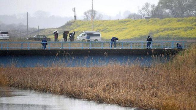 Thi thể không quần áo của bé gái 9 tuổi đã được một người đàn ông đi câu cá ở Sông Tone gần đó tìm thấy vào khoảng 6:45 sáng giờ địa phương, theo cảnh sát.