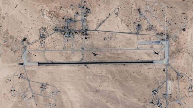 Imagem de satélite da base aérea T4/Tiyas