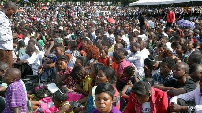 Thousands of Zambians rally to pray against the depreciation of the countrys currency and economic crisis at the Show grounds in the capital city Lusaka on 18 October, 2015.