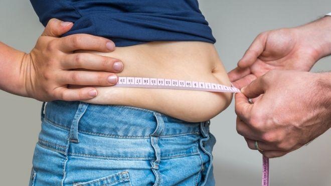 Mulher com sobrepeso