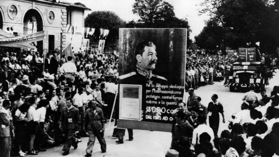 Marcha comunista en Italia