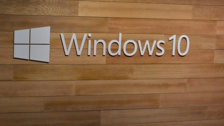 Windows 10 logo on a wall
