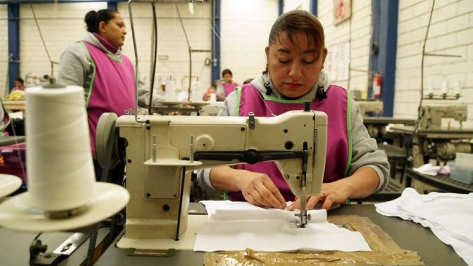 Trabajadoras en la fábrica de Ecopipo
