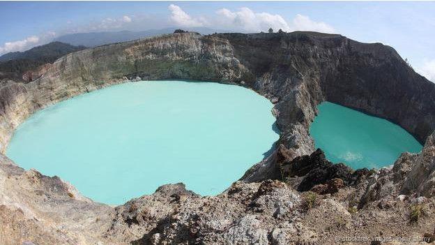Dünyada görmeniz gereken ilginç göller 9