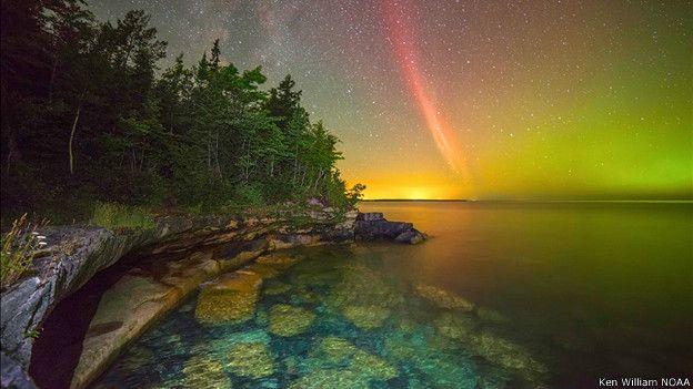 Arco de protones sobre el Superior Lake