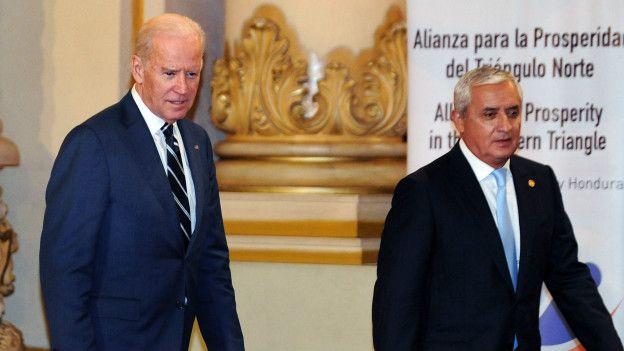 Joe Biden y Otto Pérez Molina