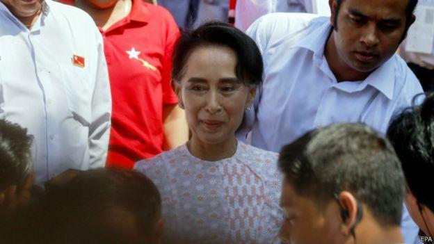 Bà Aung San Suu Kyi
