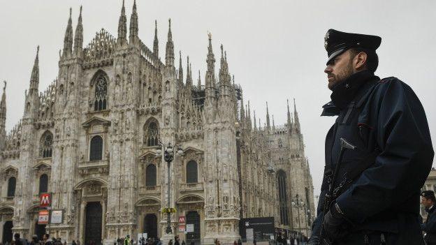 Un crabinero en Milán
